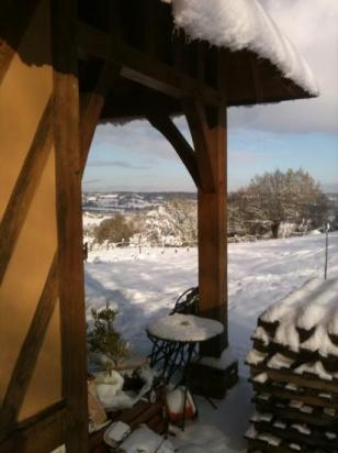 decembre 2010  la maison sous la neige